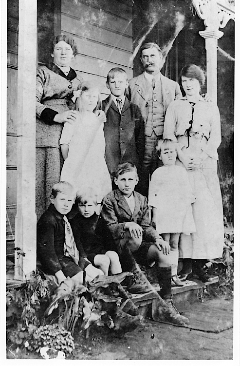 Sam & Alice Nunns and family - Gisborne, New Zealand c1915-17