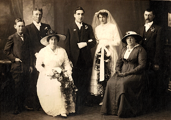 Alexander Wright & Elsie Nunns wedding - 7 June 1917