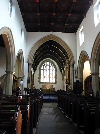 Holy Trinity, Rothwell - interior, August 2011