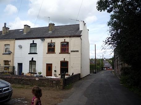 Cross Terrace, looking down Cross Street, Rothwell - August 2011