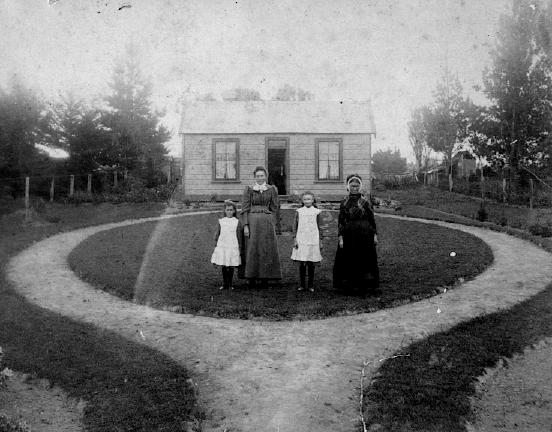 Caption on reverse: The Queen's Paddock, Queenie being Annie, next door to Belper House