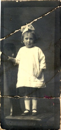 Possibly Myrtle Jean Louisa McGonnell (1915-2011)
