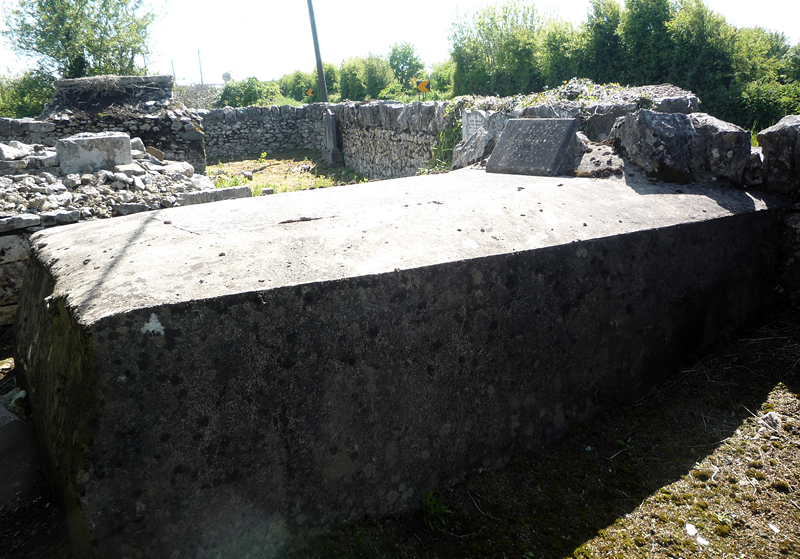 O'Rourke family tomb, Dysert Burial Ground