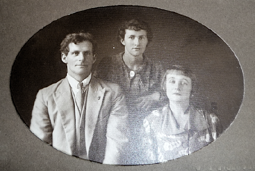 George, Jean & Naomi McGonnell (date unknown)