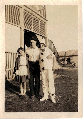 Lavinia (Alexandra), Percy & Eileen Luxton, May 1923